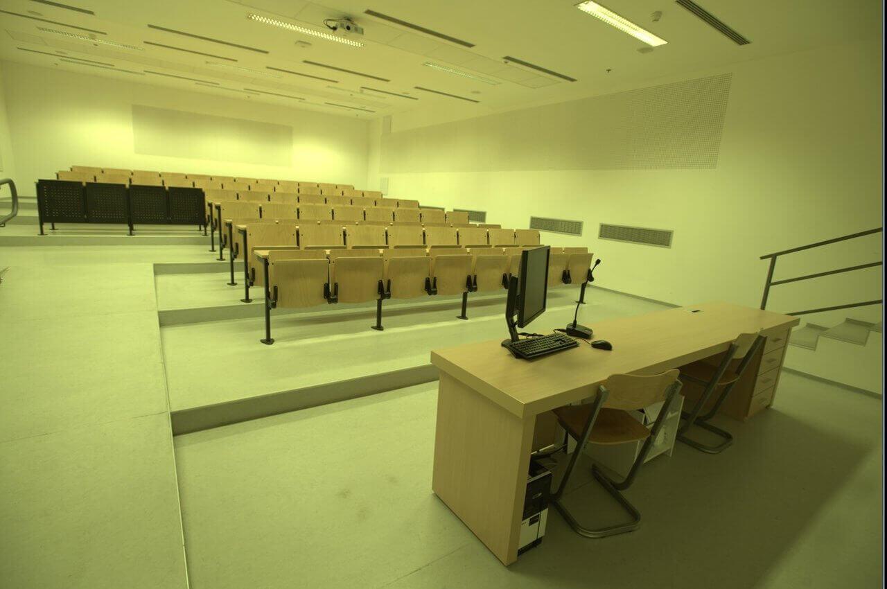 Sveučilište u Splitu, Zgrada tri Fakulteta